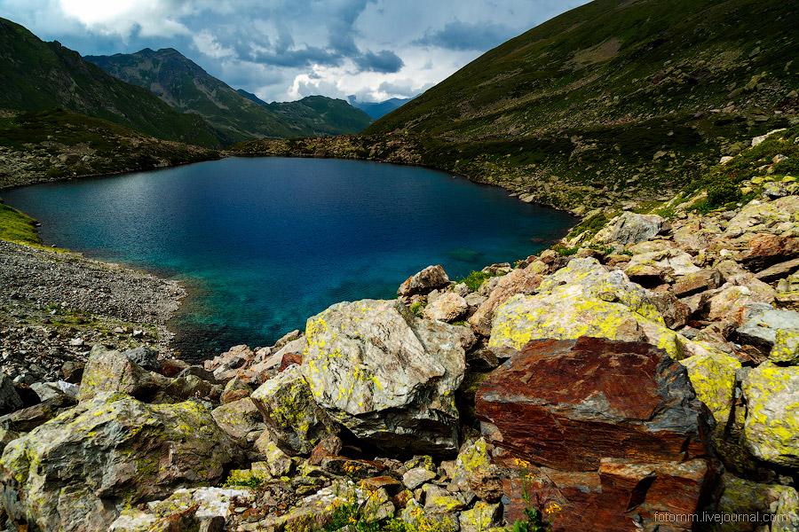 Озеро Семицветное на Кавказе