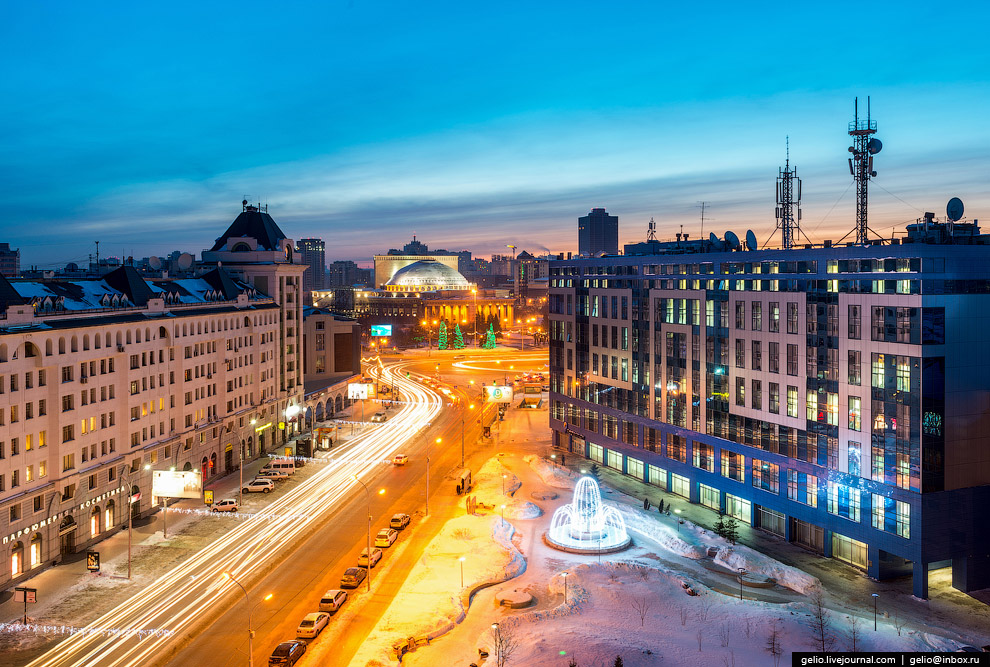 Сквер на пересечении Вокзальной магистрали и улицы Советской.