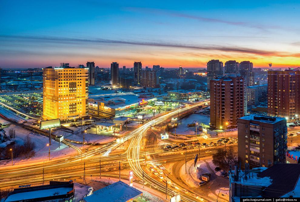 Перекресток улицы Кошурникова и Фрунзе.