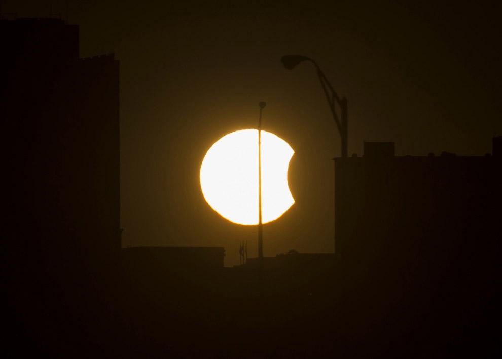Частичное солнечное затмение