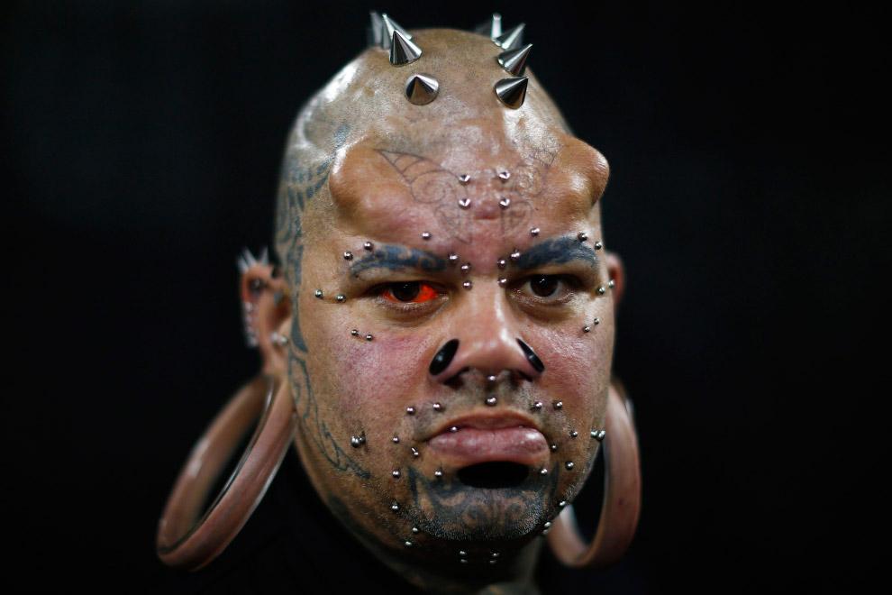 И снова модификатор тела в Гавайских островов с «ушами»