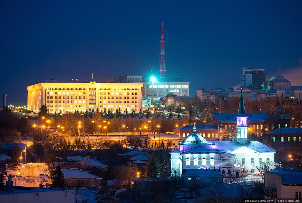 Дом Правительства и Первая соборная мечеть