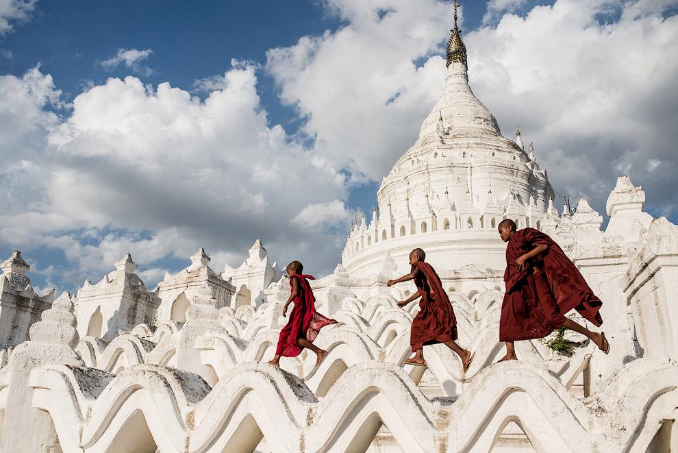 Молодые буддисты в Мьянме