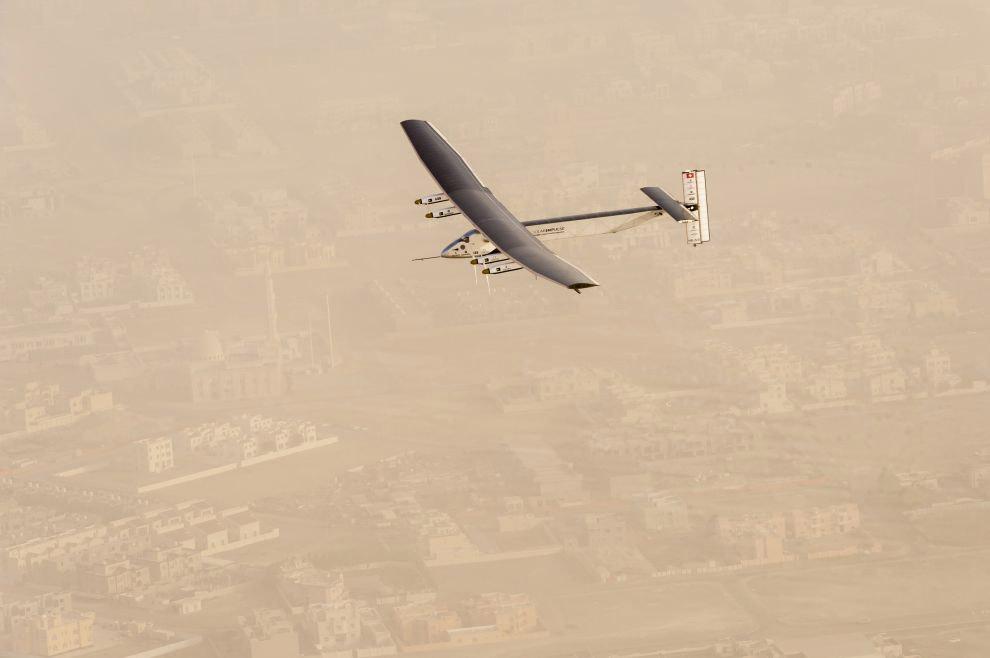 В небе над Абу-Даби