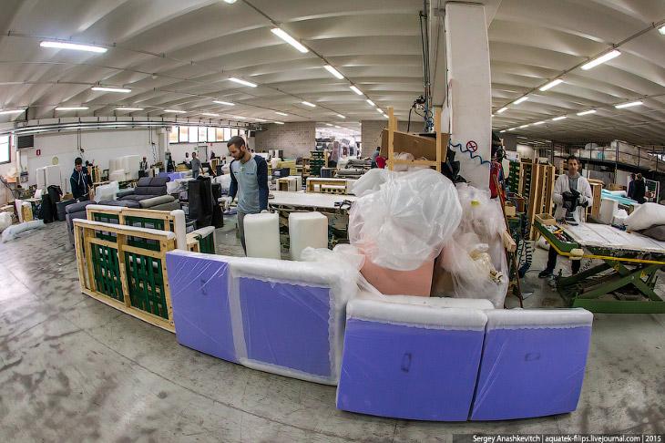 Диванная фабрика в Апулии
