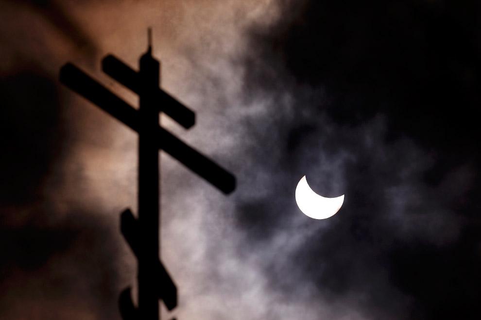 Солнечное затмение 2015 и церковь святителя Николая Чудотворца — русский православный храм в Софии