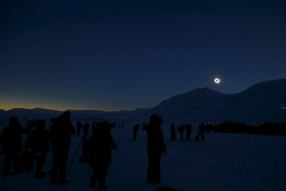 Полное солнечное затмение на Шпицбергене