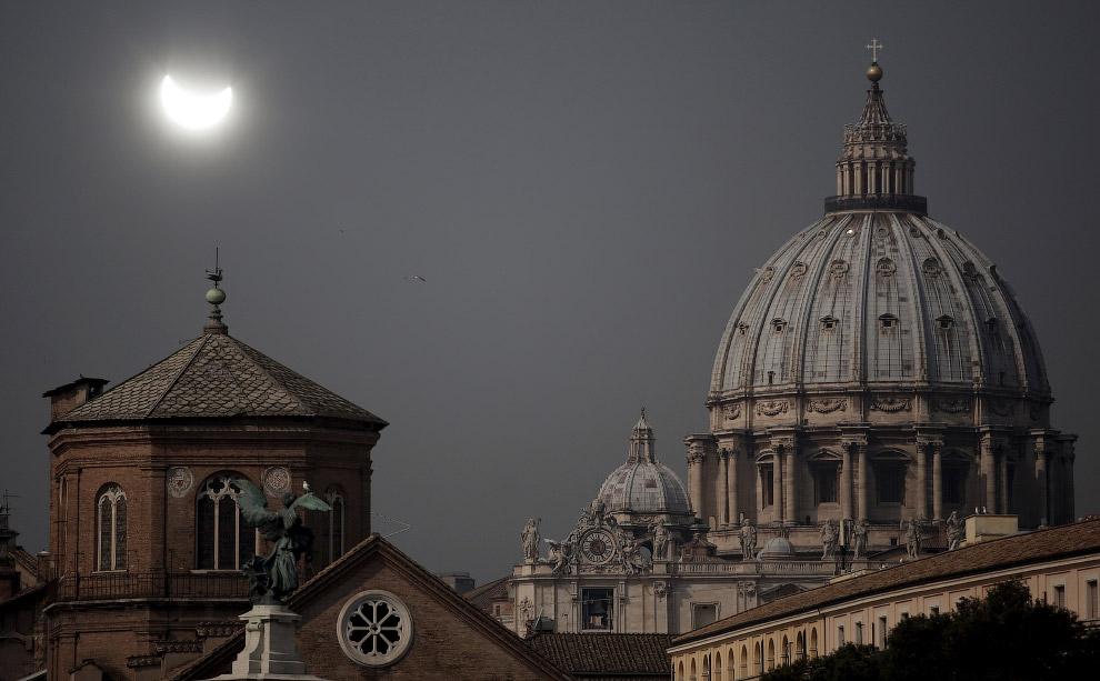 Солнечное затмение в Риме