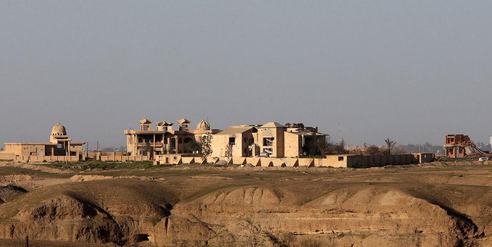 Дворец бывшего лидера Ирака Саддама Хусейна в городе Тикрит