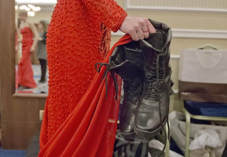 Военные ботинки – в сторону