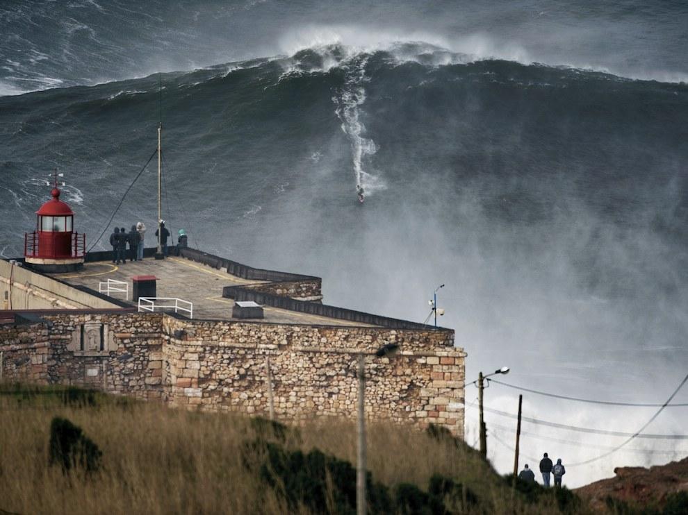 Большая волна, Португалия