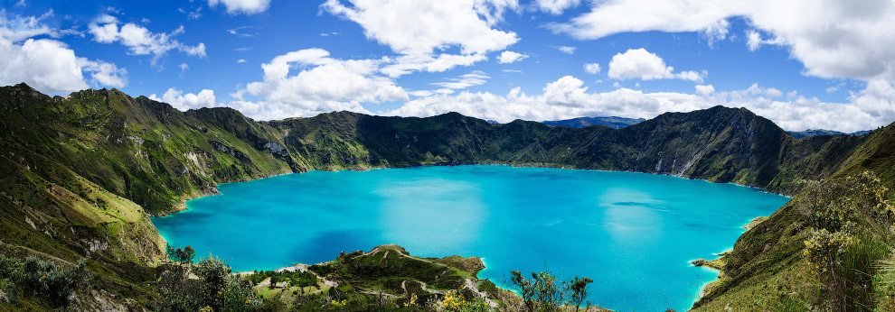 Озеро в кратере вулкана Килотоа, Эквадор