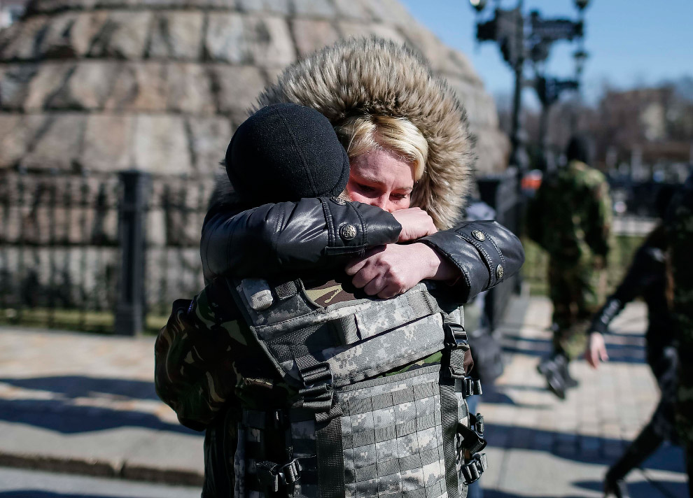 Прощание в центре Киева. перед отъездом на восток Украины