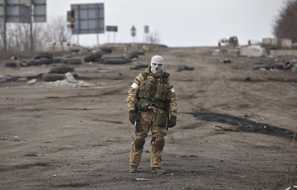 Ополченец возле Дебальцево, Украина