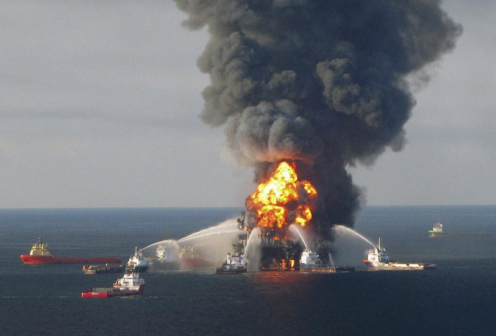20 апреля 2010 года в 80 километрах от побережья штата Луизиана в Мексиканском заливе на нефтяной платформе Deepwater Horizon
