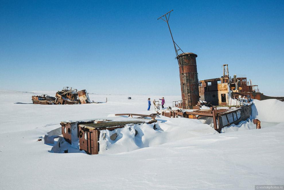 кладбище кораблей на острове Бруснева
