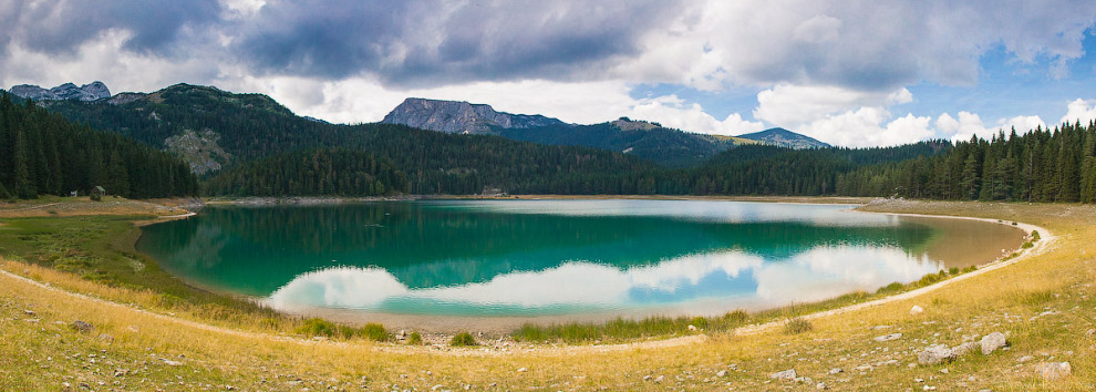 Црно езеро