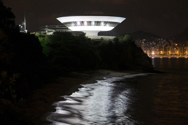 Музей современного искусства в Нитерое, Бразилия