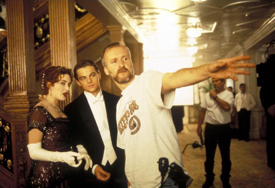 Кейт Уинслет, Леонардо Ди Каприо и Джеймс Кэмерон на съёмках фильма «Титаник»