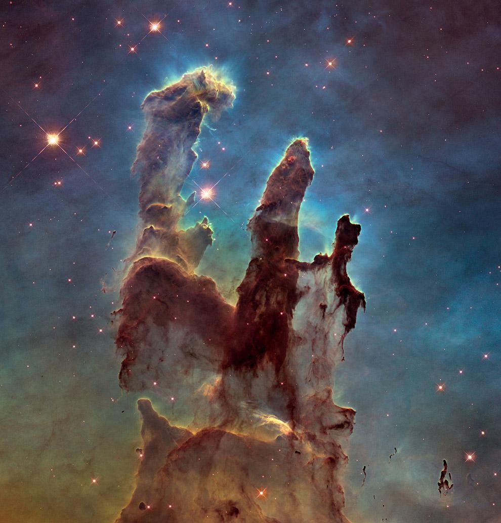 """Região """"Pilares da Criação"""" na Nebulosa da Águia"""