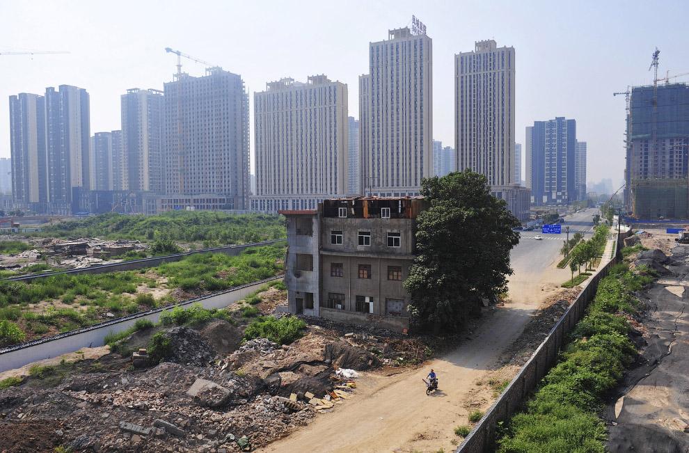 Вид з іншого боку.  місто Сіань