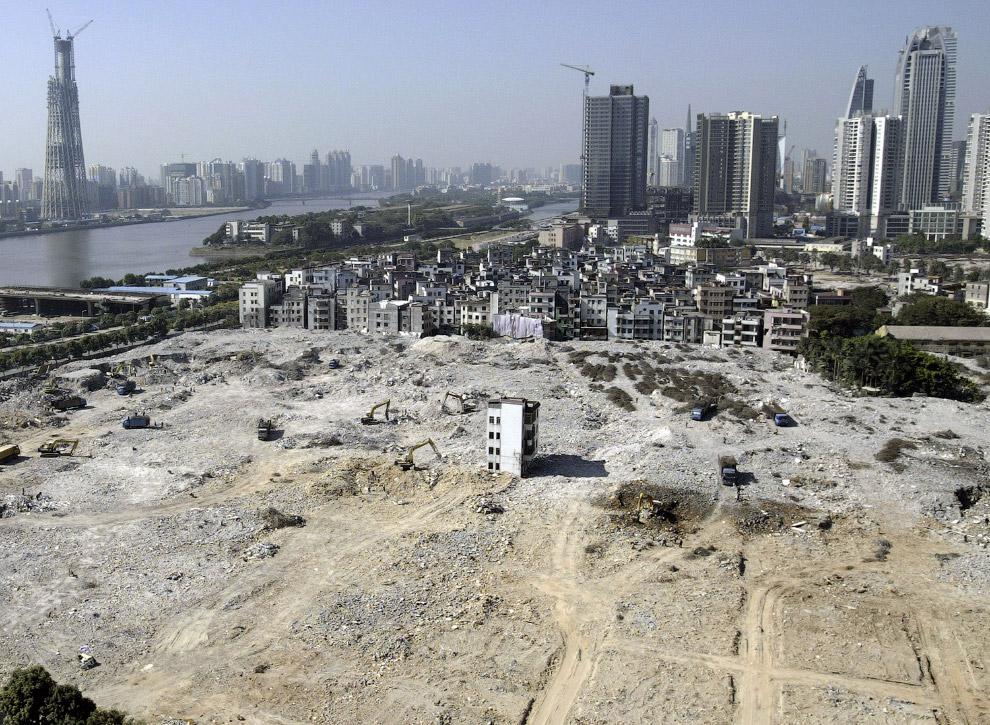 У Гуанчжоу на цьому будівельному майданчику починають зводити новий житловий квартал