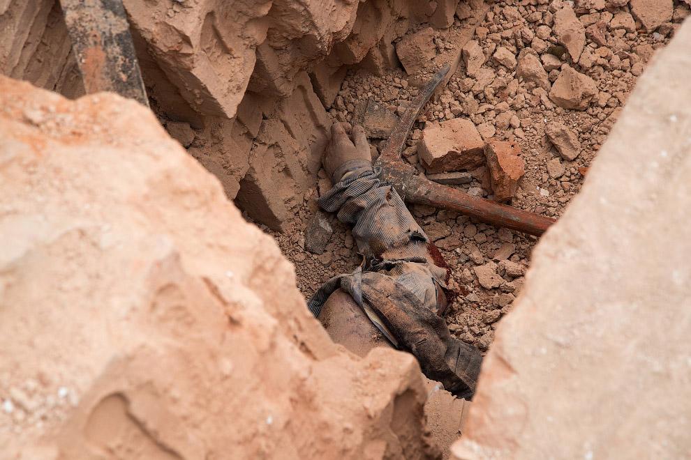 Погибший во время землетрясения в Непале