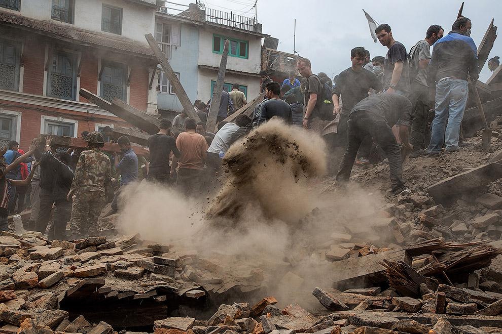 Strong earthquake and aftershocks shake Nepal