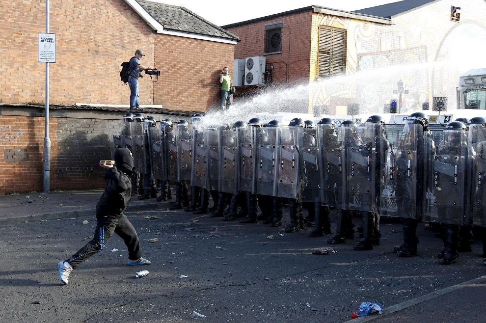 Столкновения в Белфасте