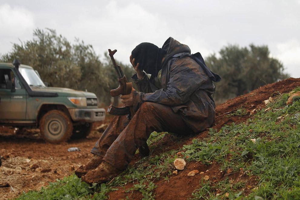 Боевик Джабхат аль Шамия к северу от Алеппо
