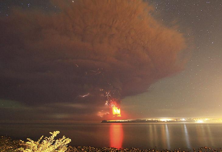Извержение вулкана Кальбуко в Чили, Пуэрто-Варас