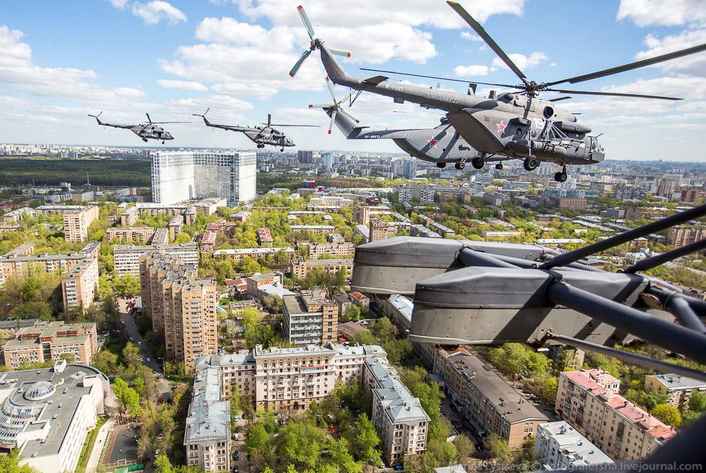 Больше 16 тысяч военнослужащих из всех родов войск находятся на Красной площади