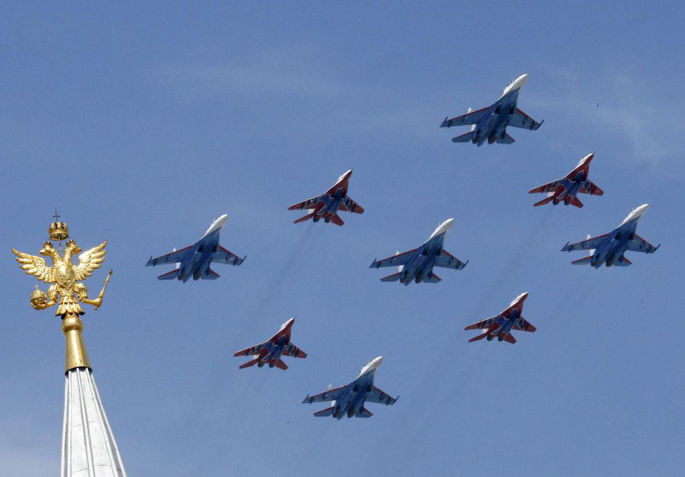 Всепогодные истребители четвёртого поколения Су-27 и МиГ-29