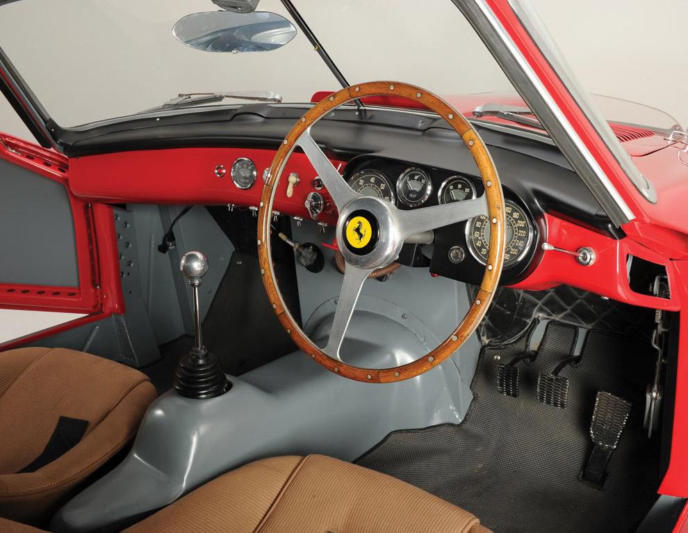 Спорткар Феррари 1953 года с длинным названием 340/375 MM Berlinetta 'Competizione'