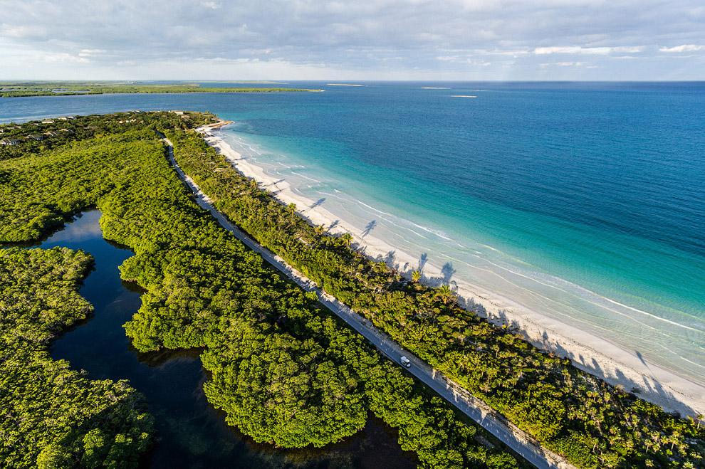 Восхитительный пляж Плайя Энсеначос