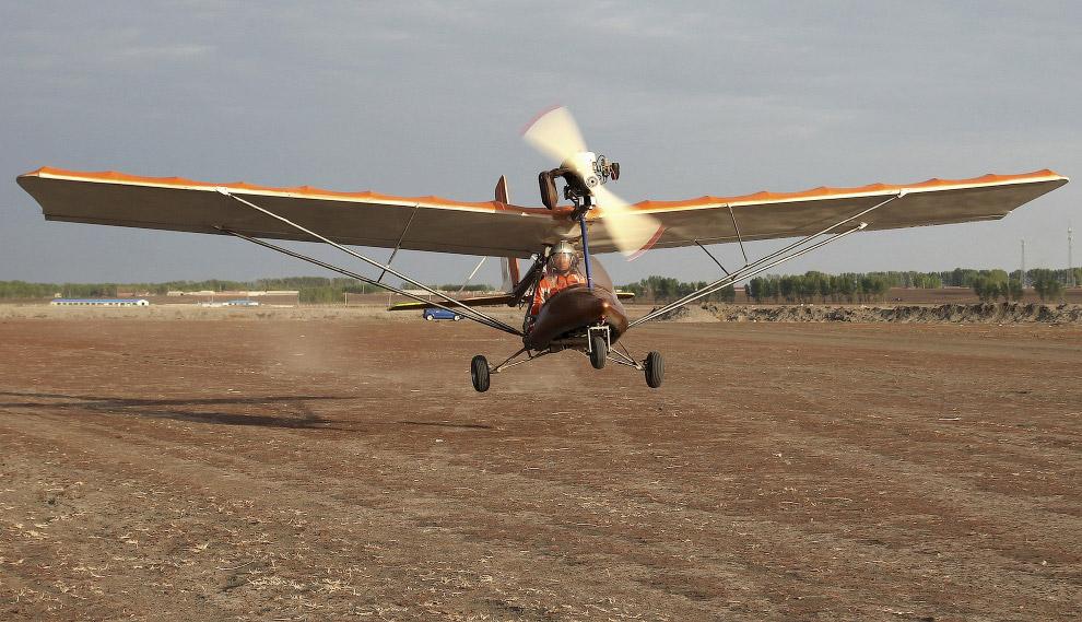 Более продвинутые изобретатели делают не автомобили, а самолеты. например, 45-летний менеджер строительной компании