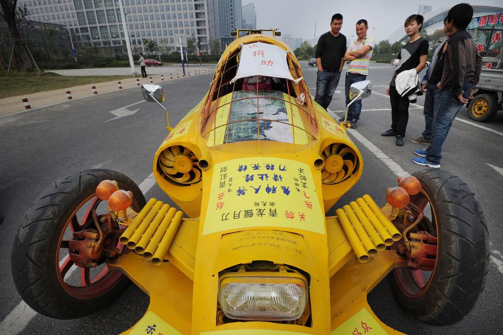 Это уже почти настоящий гоночный автомобиль
