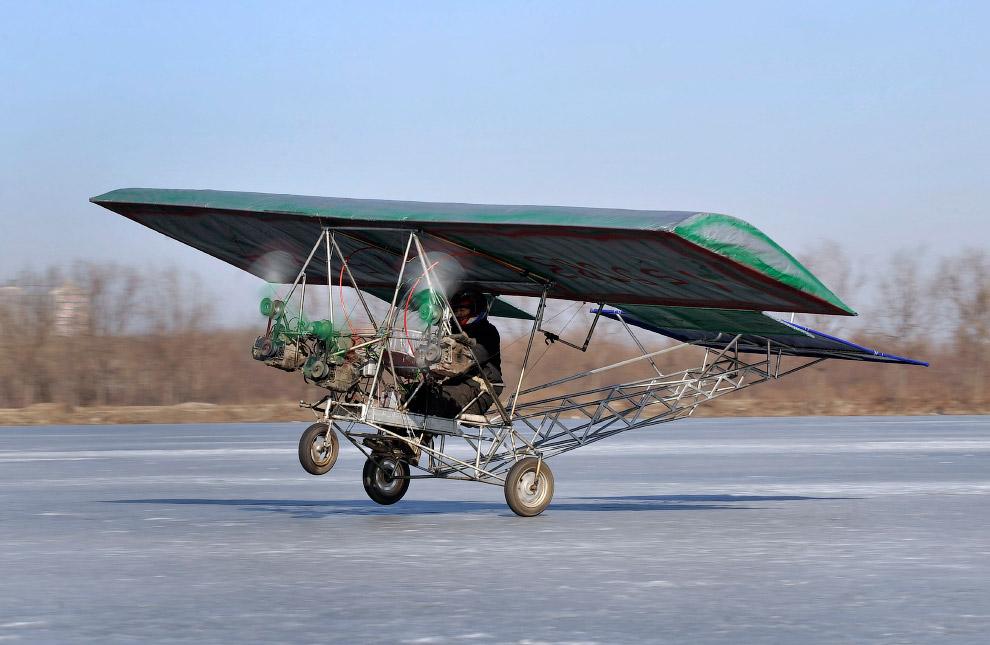 Первый полет самодельного самолета в провинции Ляонин