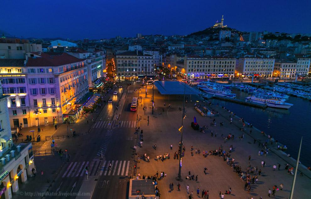 Вечерняя набережная Quai des Belges