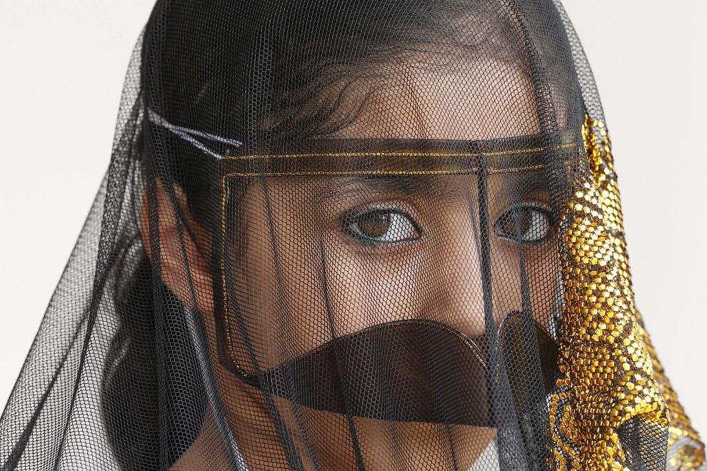 На пляже в Абу-Даби тоже можно встретить симпатичные маски