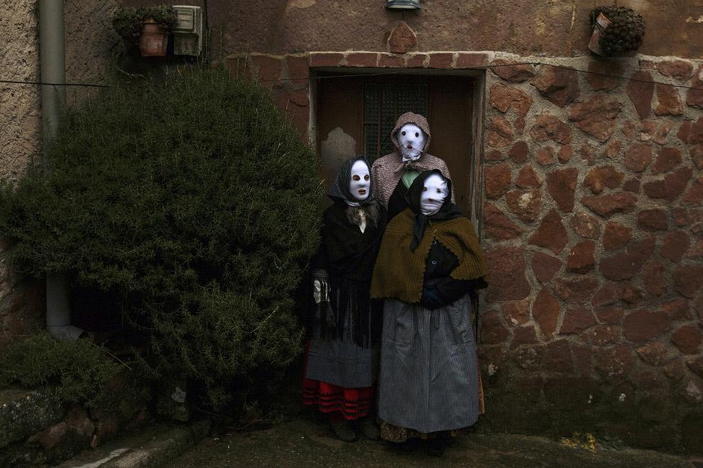 Еще один карнавал, на этот раз в испанской деревне Лусон