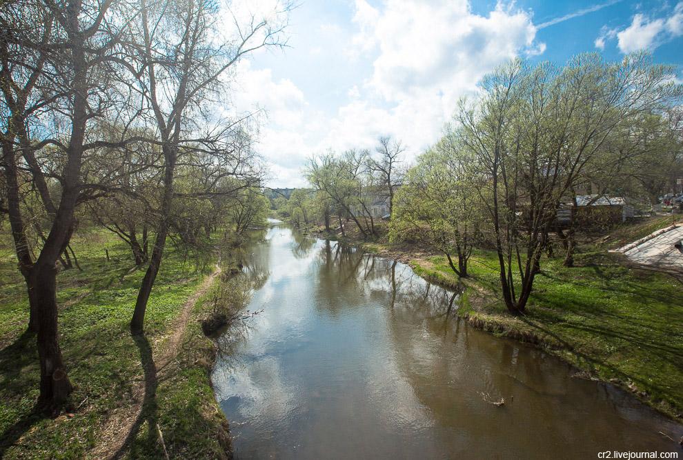 Река Нара в центре Наро-Фоминска