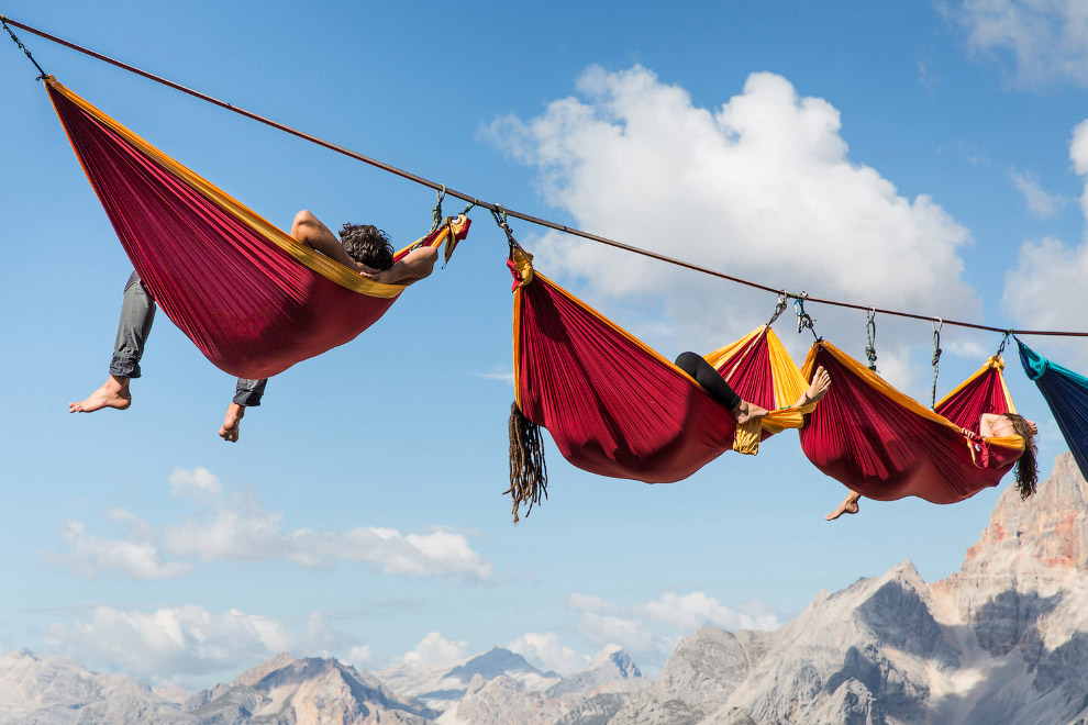 Отдых в гамаке на высоте 40 метров над землей, Доломитовые Альпы