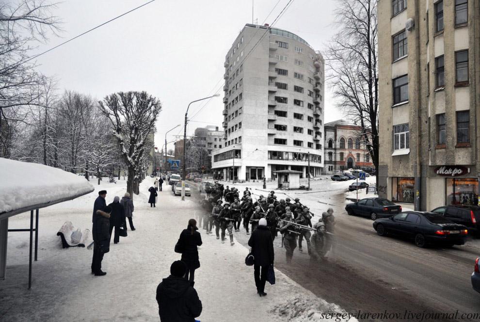 Ленинградское шоссе. Советские стрелковые части входят в город