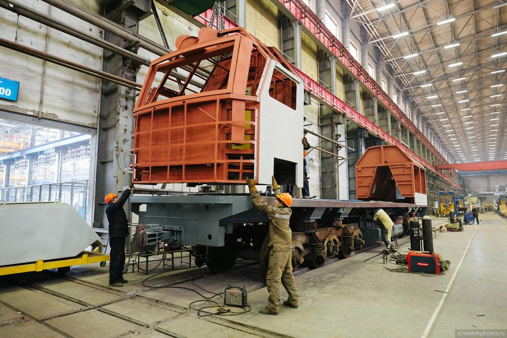 Будущий тепловоз 2ТЭ25КМ — магистральный грузовой двухсекционный тепловоз