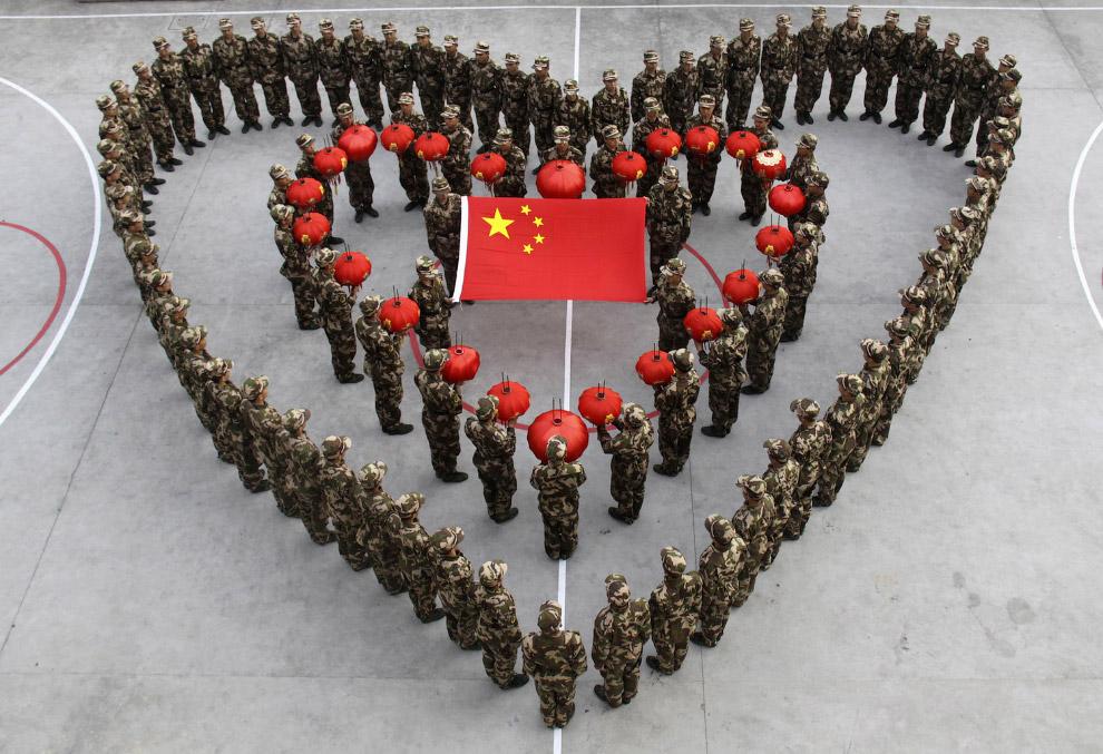 Китайский Новый год, который в 2010 году совпал со Днем святого Валентина