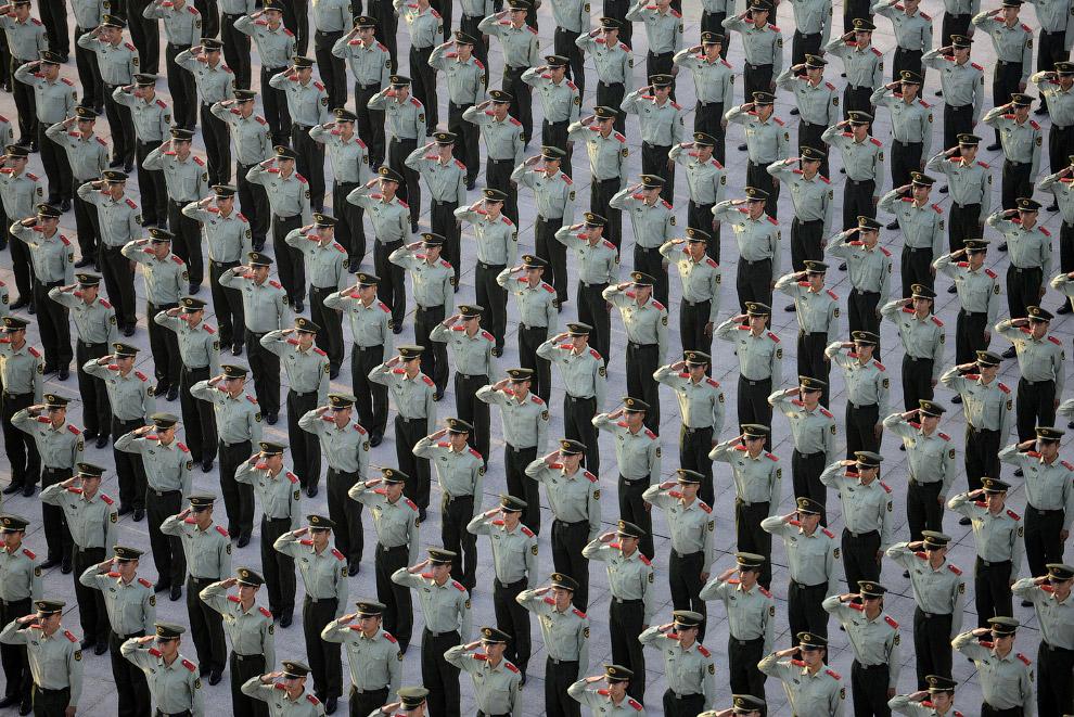Праздник в честь 65-й годовщины со дня основания Китайской Народной Республики