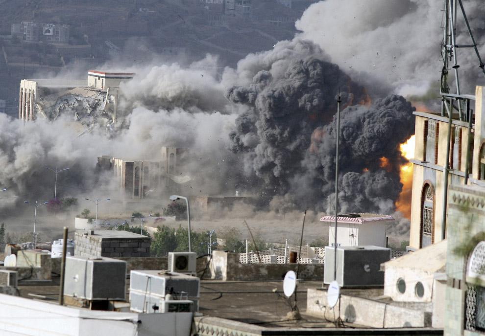 Авиаудар по городу Таиз в Йемене