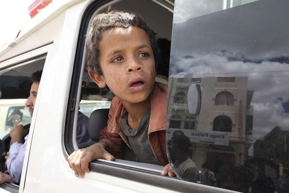 По данным ООН, в результате вооруженного конфликта в Йемене беженцами и внутренними переселенцами стали уже более 300 тысяч человек