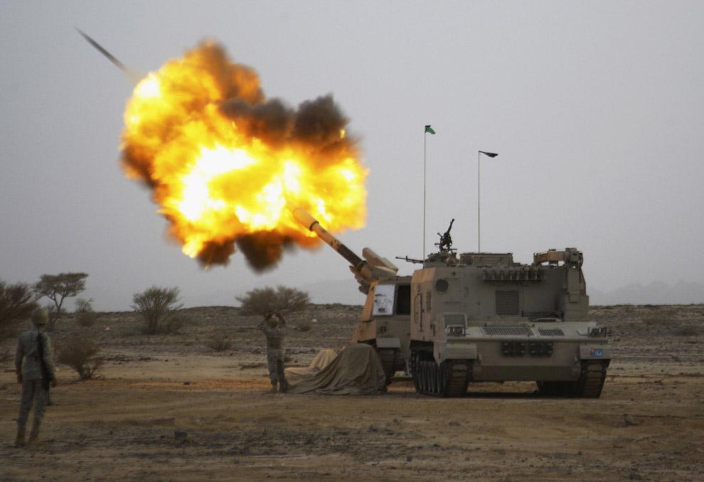 Саудовская артиллерия обстреливает Йемен